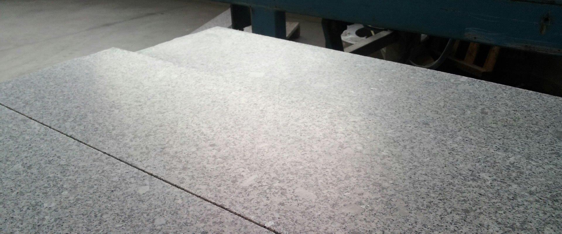 Granit geschliffen 120 R9
